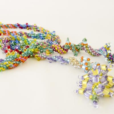 A fun exercise in Lariat bead weaving, by Heather!