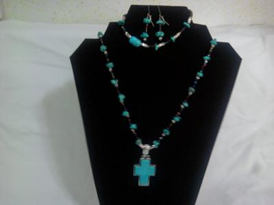 An exquisite turquoise necklace set~