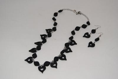 Black Velvet Like Hearts Necklace Set